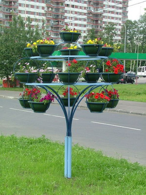 Металлические конструкции для цветов